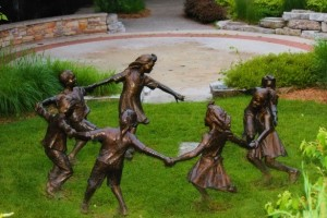 Photo Courtesy of Tammy Sue http://www.publicdomainpictures.net/view-image.php?image=77459&picture=bronze-children-statues